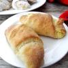 Cornuri-cu-branza-dulce-de-vaci-1